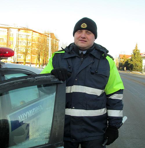 Инспектор Иван Шевченко кинулся в горящий дом…