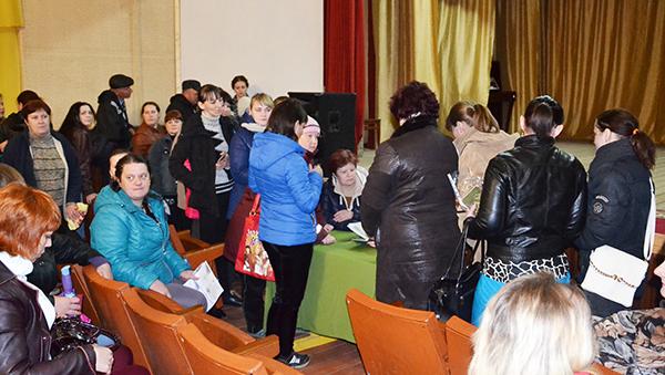 В Оболи около 100 человек пришли на собеседование в поисках работы