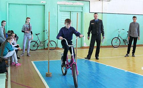 Лучшие юные инспекторы дорожного движения учатся в Обольской СШ