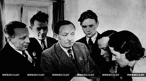 ДАСЬЕ: Паэт беларускай зямлі. Да 135-годдзя з дня нараджэння Янкі Купалы