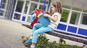 Профсоюзы сельхозорганизаций Шумилинского района помогли детям собраться в школу