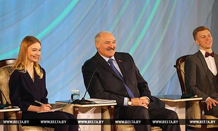 Тема недели: Лукашенко провел встречу с творческой молодежью
