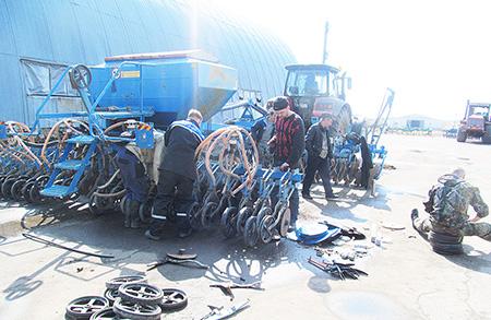 Подготовку к посевной и охрану труда в Шумилинском районе контролирует профсоюз