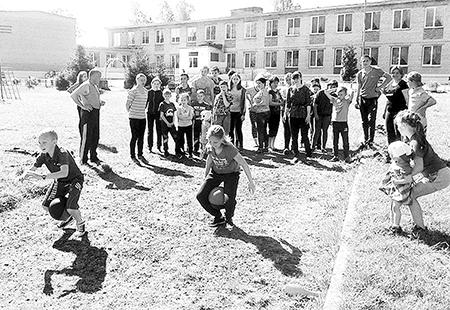 День семьи в Мишневичской школе встретили «Семейными стартами»