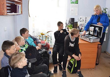 Ученики Шумилинской СШ №1 побывали на экскурсии в Следственном комитете