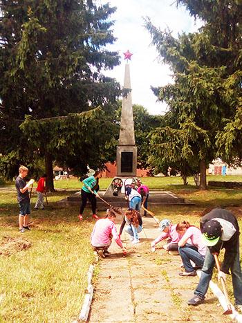 Шумилинский районный центр детей и молодёжи организовал работу волонтёрского лагеря