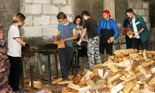 Как шумилинские старшеклассники зарабатывают в ПМК-70 свои первые финансы