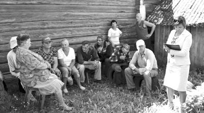 Подворные обходы и сельские сходы прошли на минувшей неделе в деревнях Сиротинского сельсовета