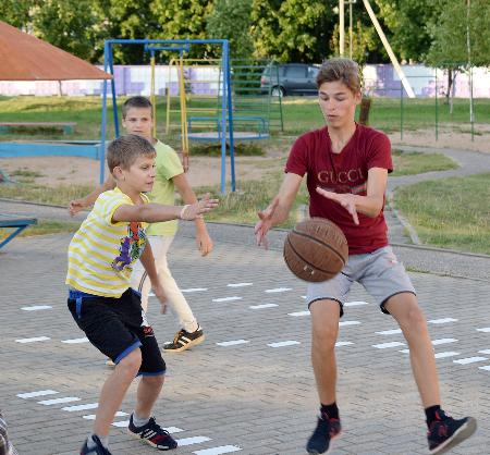 Спортивный праздник украсил вечер в Верхнем городе Шумилино