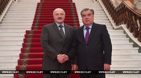 Саммит СНГ, встреча с Рахмоном, тракторы и виноградники – завершился визит Лукашенко в Таджикистан