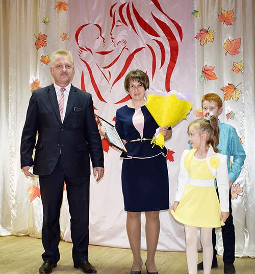 В Шумилино организовали торжественный вечер в честь мам