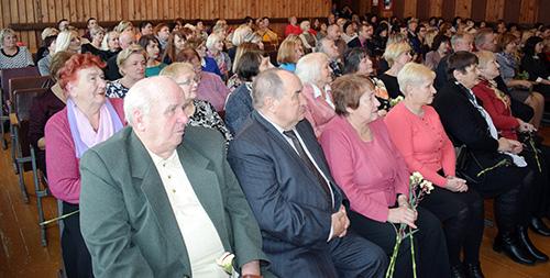 Свой профессиональный праздник педагоги Шумилинского района отметили торжественно