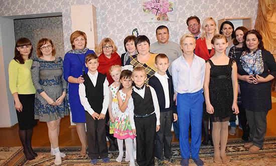 В канун Дня матери много гостей побывало в детском доме семейного типа в Шумилино