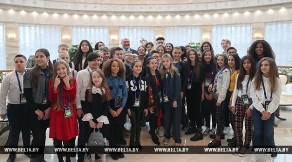 «Вы уже победители!» – Лукашенко встретился с участниками детского «Евровидения»