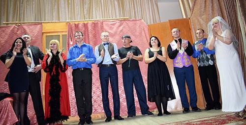 На сцене – народный театр Шумилинского РЦК