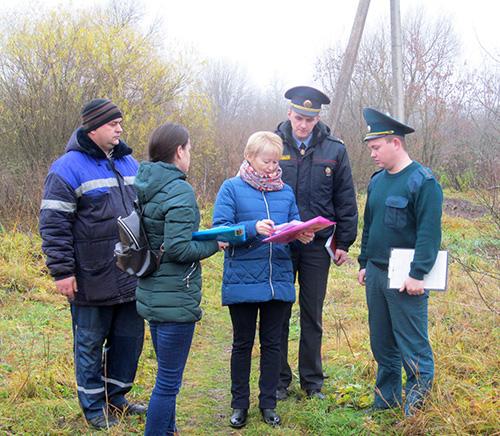 Участники рейда проверили вопросы безопасности в Светлосельском сельсовете