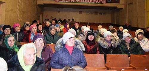 Руководство Шумилинского района обсудило с жителями Оболи актуальные для посёлка вопросы
