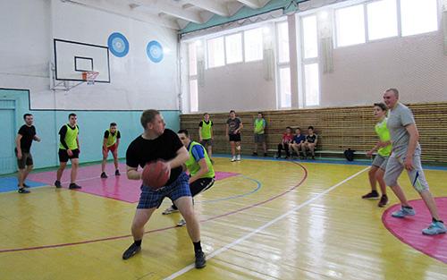 Старшеклассники Шумилинской СШ №1 соревновались с милиционерами