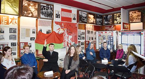 Урок истории старшеклассники Шумилинской СШ №1 провели в краеведческом музее