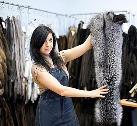 Информация для безработных: Для мехового комбината готовят швей