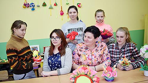 Елена Борисевич учит детей видеть и создавать красоту