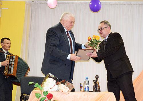 Вечер-портрет в Башневском сельском клубе посвятили Леониду Погорельскому
