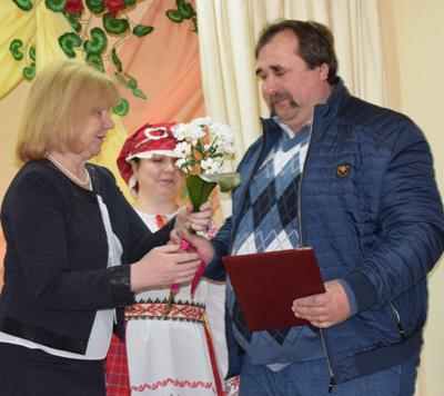 В агрогородке Мишневичи отметили юбилей предприятия и открыли Доску почёта Мишневичского сельсовета