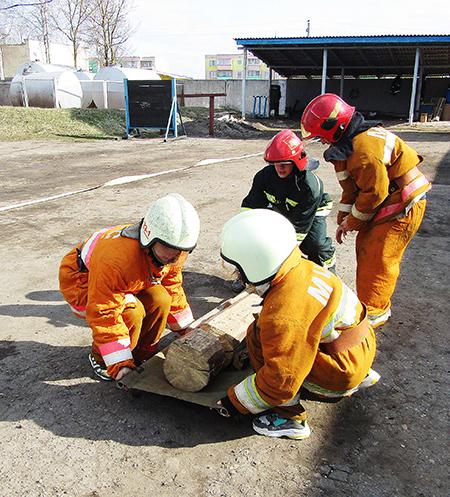 В Шумилино соревновались клубы юных спасателей-пожарных
