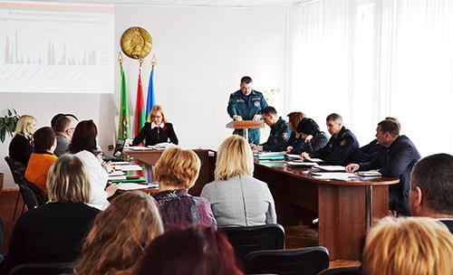 О важности предупреждения пожаров шла речь на заседании президиума Шумилинского райсовета
