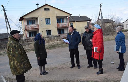 Жители Обольского сельсовета рассказали представителям власти о своих проблемах