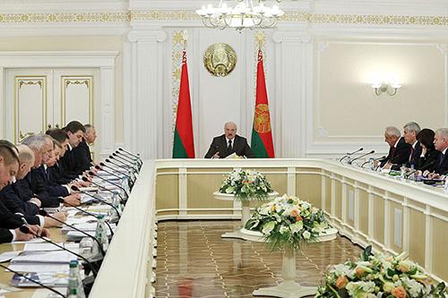Тема недели: вопросы регионального развития обсуждены на совещании у Президента