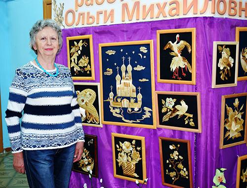 Увлечение соломкой привело Ольгу Веселкову к персональной выставке