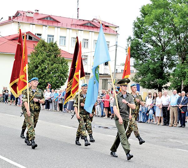 75 лет освобождения от фашистской оккупации и 95 лет своего основания отметил Шумилинский район