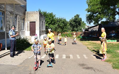 В детском саду №1 г. п. Шумилино детям о безопасности рассказали в процессе квест-игры