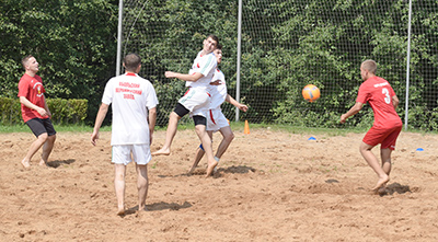 Открытый кубок по пляжному футболу прошел в Амбросовичах