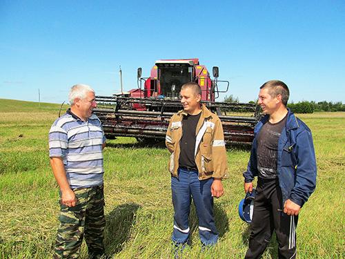 Россия подождёт. На время уборочной парни вернулись в «Придвинский»