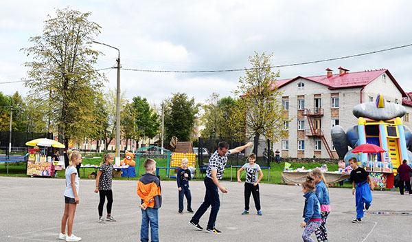 В городском парке Шумилино прошел праздник «До свидания, лето!»