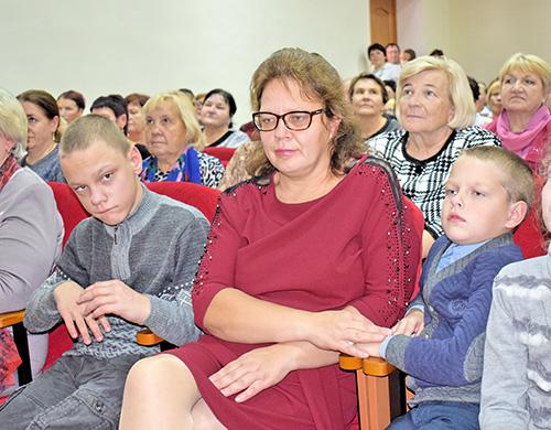 Ольга Голубева воспитывает четверых детей. Она не понаслышке знает, какой это труд и какое счастье