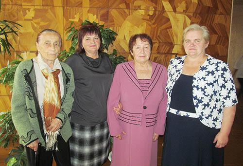 Шумилинских педагогов-ветеранов поздравили с Днём учителя