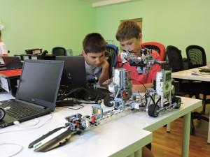 Шумилинский центр детей и молодёжи набирает учеников в Школу робототехники