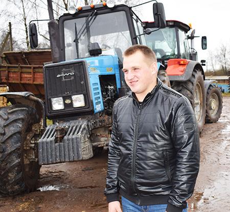 Аляксандр Салодкі з КУСГП «Сіроцінскі» ў свае 21 год мае амаль тры гады механізатарскага стажу